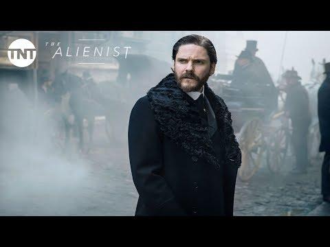 Daniel Brühl, Luke Evans and Dakota Fanning: The Alienist Official Trailer #2 [2018]   TNT