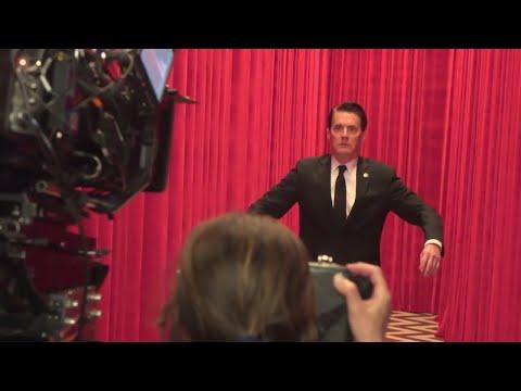 David Lynch directing Kyle MacLachlan in Twin Peaks Season 3