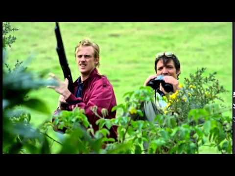 Narcos Javi and Steve pigeon scene