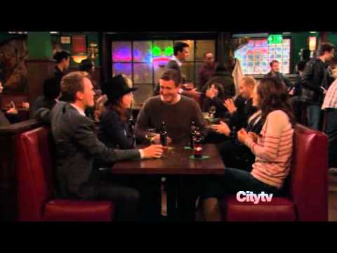 Hurley from LOST on How i met your mother - 4 8 15 16 23 42