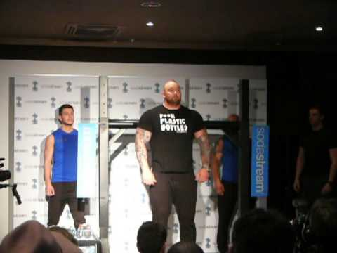 """sAWE trifft Game of Thrones-Star """"The Mountain"""""""