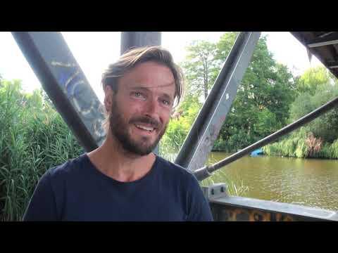DARK Andreas Pietschmann Interview english NETFLIX The Stranger / adult Jonas - Martha - Actor kiss