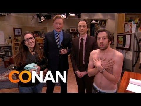 """""""The Big Bang Theory"""": Jim Parsons stürmt das Set mit einem Fan und schenkt ihm etwas ganz besonderes"""
