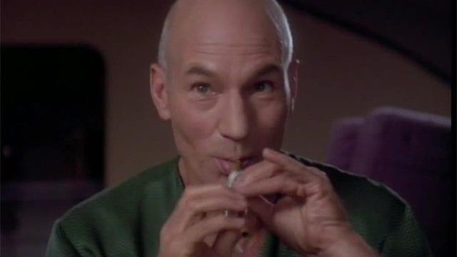 """Captain Picard singt """"Let It Snow"""""""