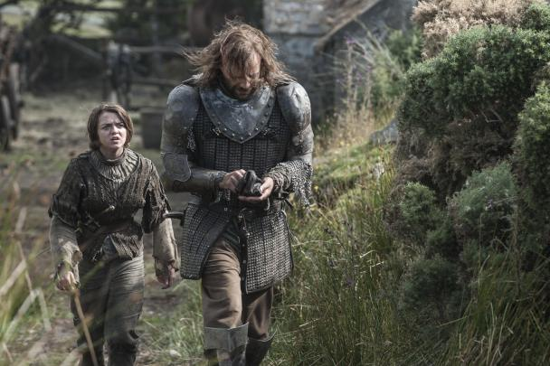 maisie-williams-as-arya-stark-rory-mccann-as-sandor-the-hound-clegane_photo-helen-sloan_hbo