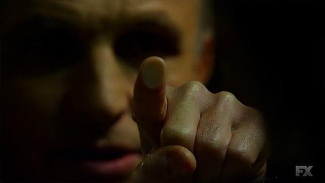 The Strain S01E02 – The Box