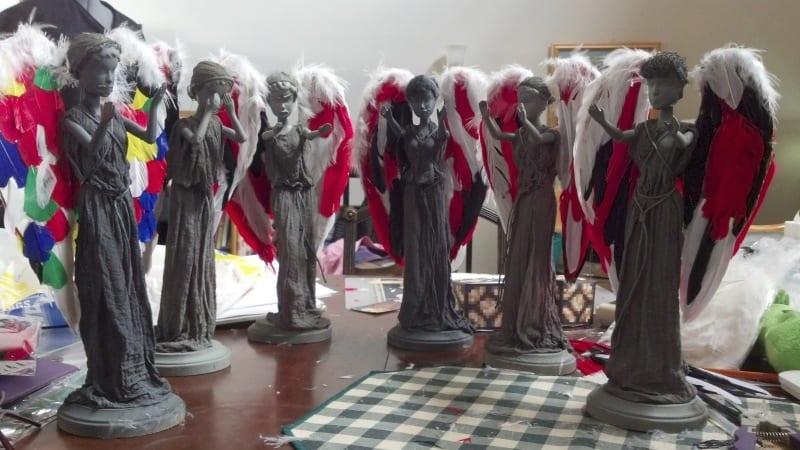 Weeping-Angel-Barbies_6