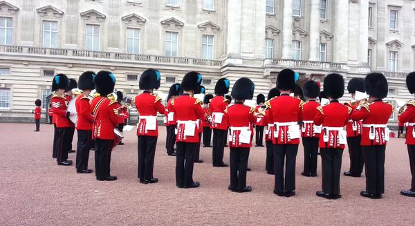 Die britische Garde spielt das Game of Thrones-Theme
