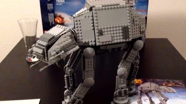 serieslyAWESOME baut Lego
