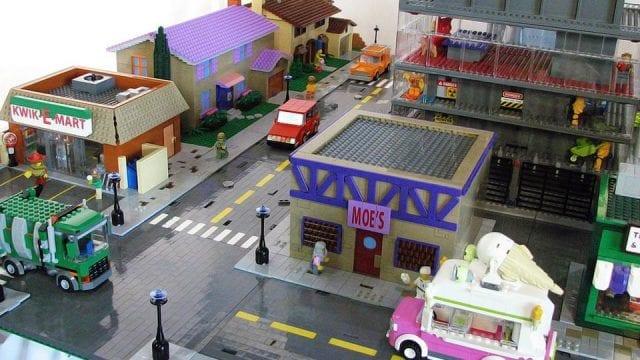 Vergesst das Lego Simpsons Haus, hier ist Lego Springfield