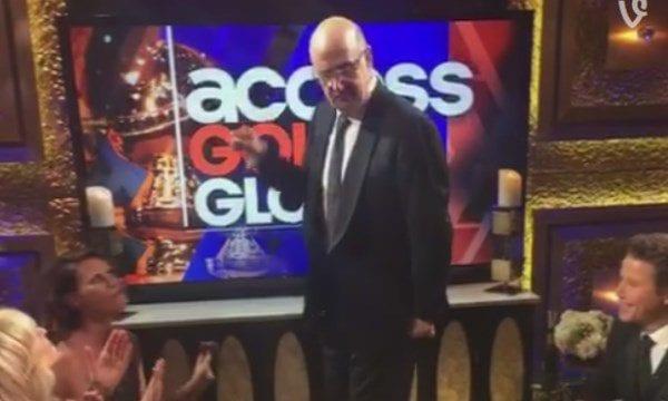 Jeffrey Tambor freut sich über seinen Golden Globe