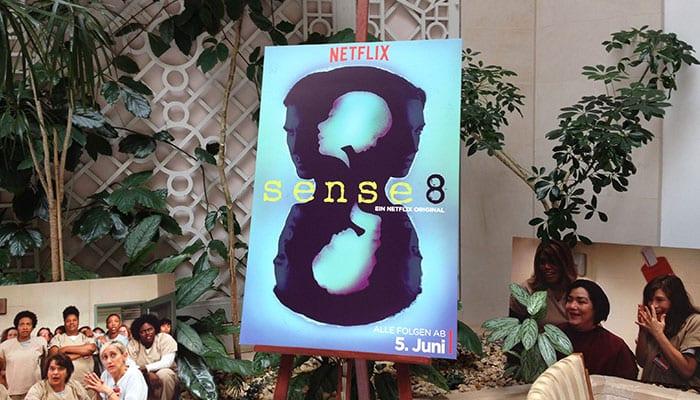 Sense8 – Plakat im Hotel Adlon