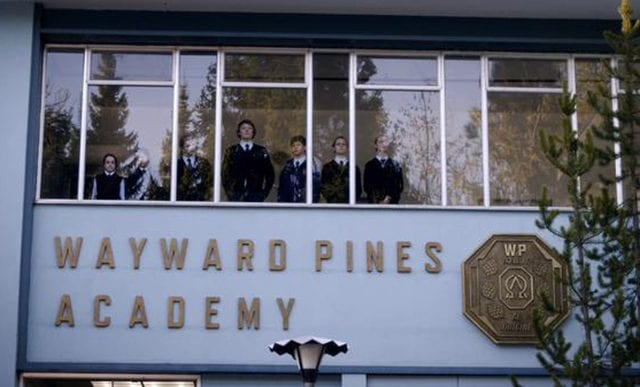 Wayward Pines S01E04 – One of Our Senior Realtors Has Chosen to Retire