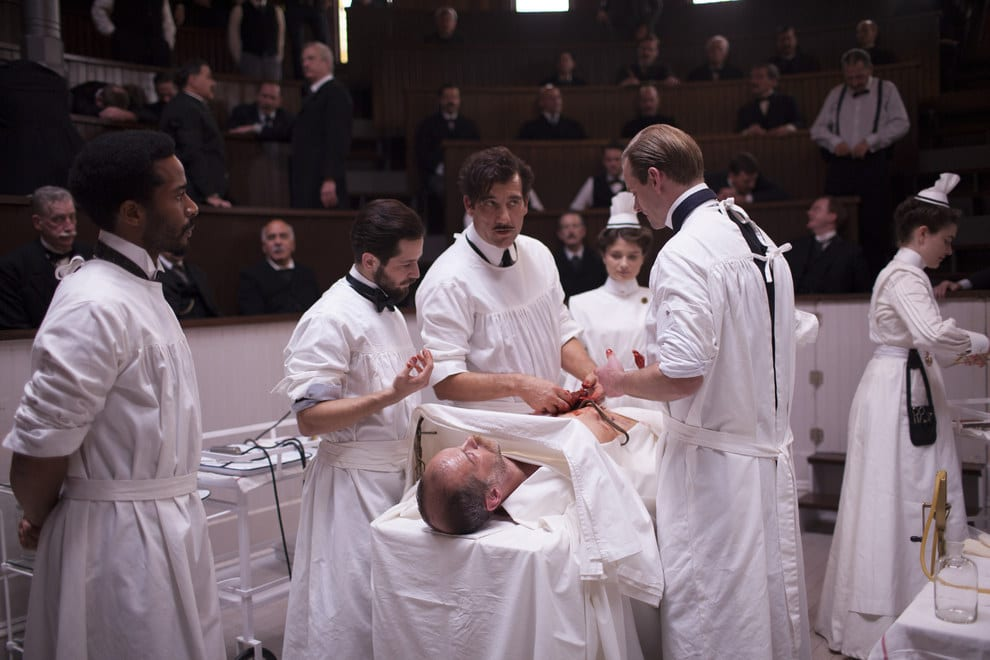 Musik in: The Knick (Cliff Martinez)