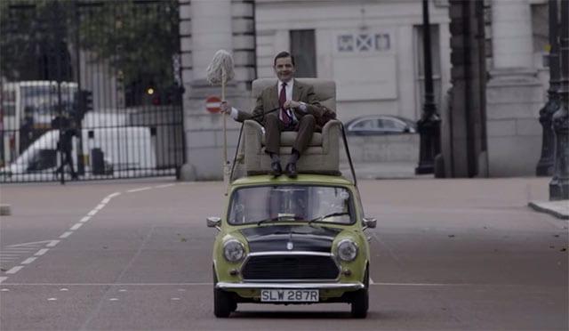 Mr. Bean fährt wieder auf seinem Mini