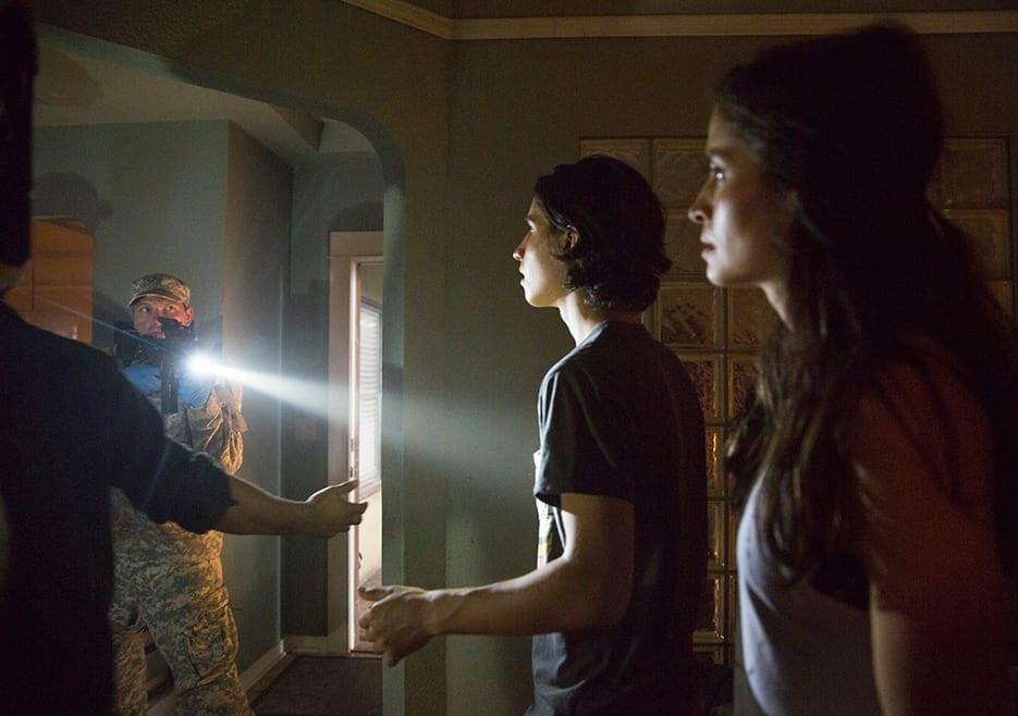 Fear the Walking Dead S01E04 – Not Fade Away