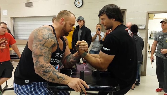 "Game of Thrones' Gregor ""The Mountain"" vs. Arm Wrestling Champion Davon Larratt"