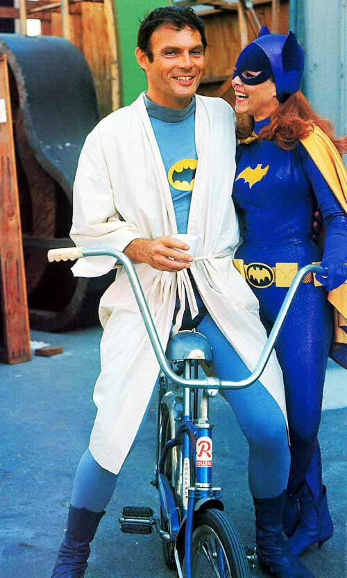 Adam West und Batgirl
