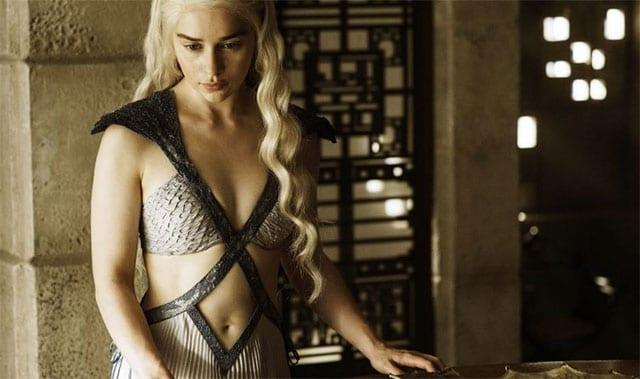 Emilia-Clarke_02