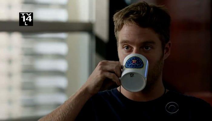 Limitless – Finch trinkt Kaffee © CBS