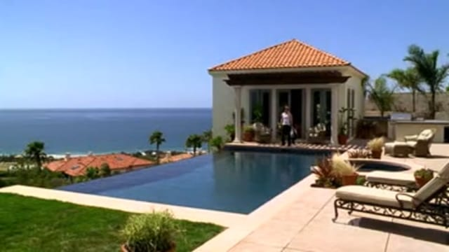 TheOC_Poolhouse
