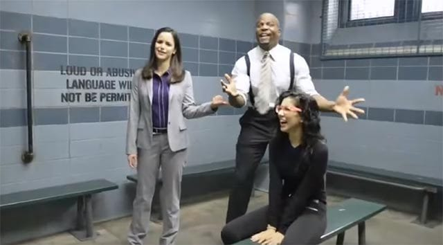 Brooklyn Nine-Nine: Set-Tour und Deleted Scenes
