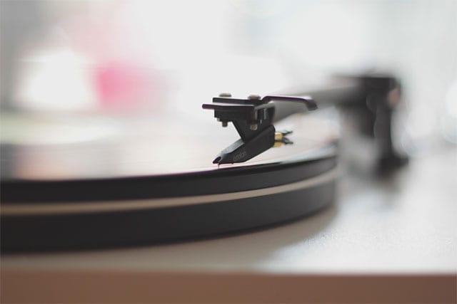 Mit tunefind & Co. könnt ihr Musik aus Serien ermitteln