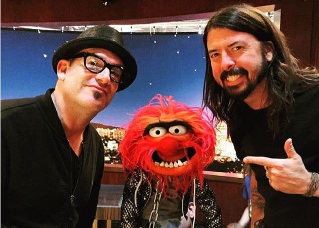 Dave Grohl und Animal im Drum Battle