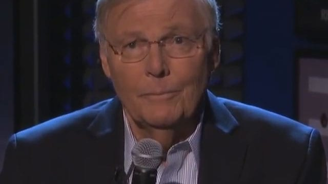 "Adam West liest Lyrics aus Kanye Wests ""Bound 2"""