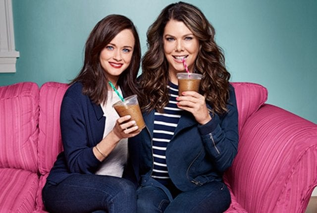 gilmore girls first look photos the girls are back in town seriesly awesome. Black Bedroom Furniture Sets. Home Design Ideas