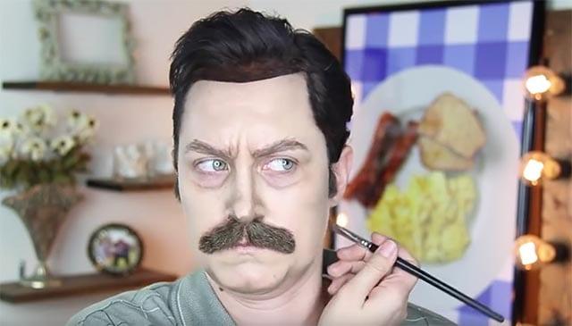 Frau schminkt sich zu Ron Swanson
