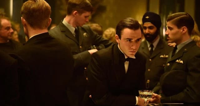 TheHalcyonE01p02 Review: The Halcyon S01E01 - Pilot