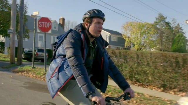 Review: Crashing S01E01 – Artie Lange