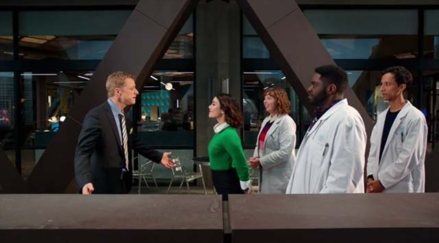 powerless_S01e01-pilot_04 Review: Powerless S01E01 - Wayne or Lose