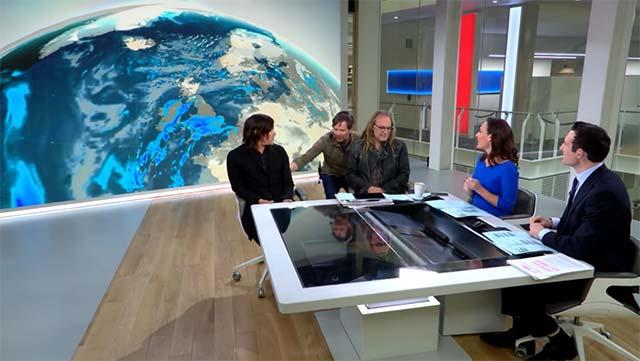 norman-reedus-sky-news-studio-draft Wie Norman Reedus aus dem TV-Studio gezogen wurde