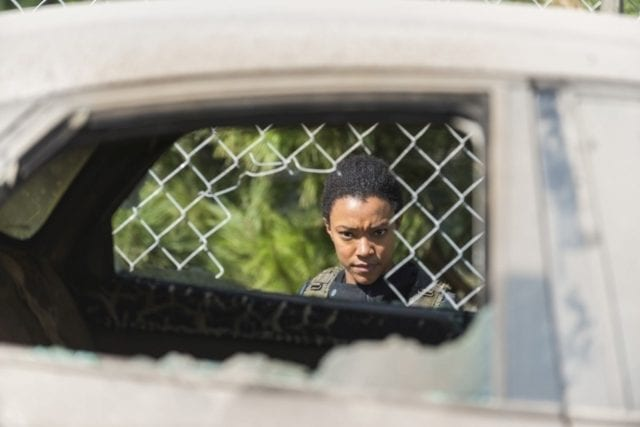 twds07b27-640x427 Review: The Walking Dead S07E14 - The Other Side