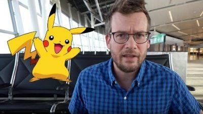 """Vater, der es nie gesehen hat, erklärt """"Pokémon"""""""