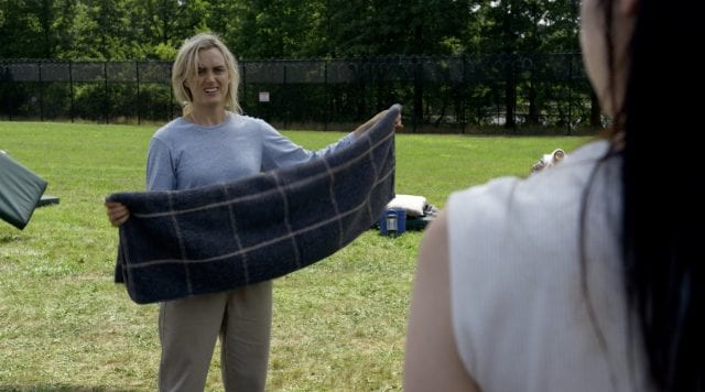 OITNB_0505-640x356 Review: Orange Is The New Black S05E05 - Sing It, White Effie