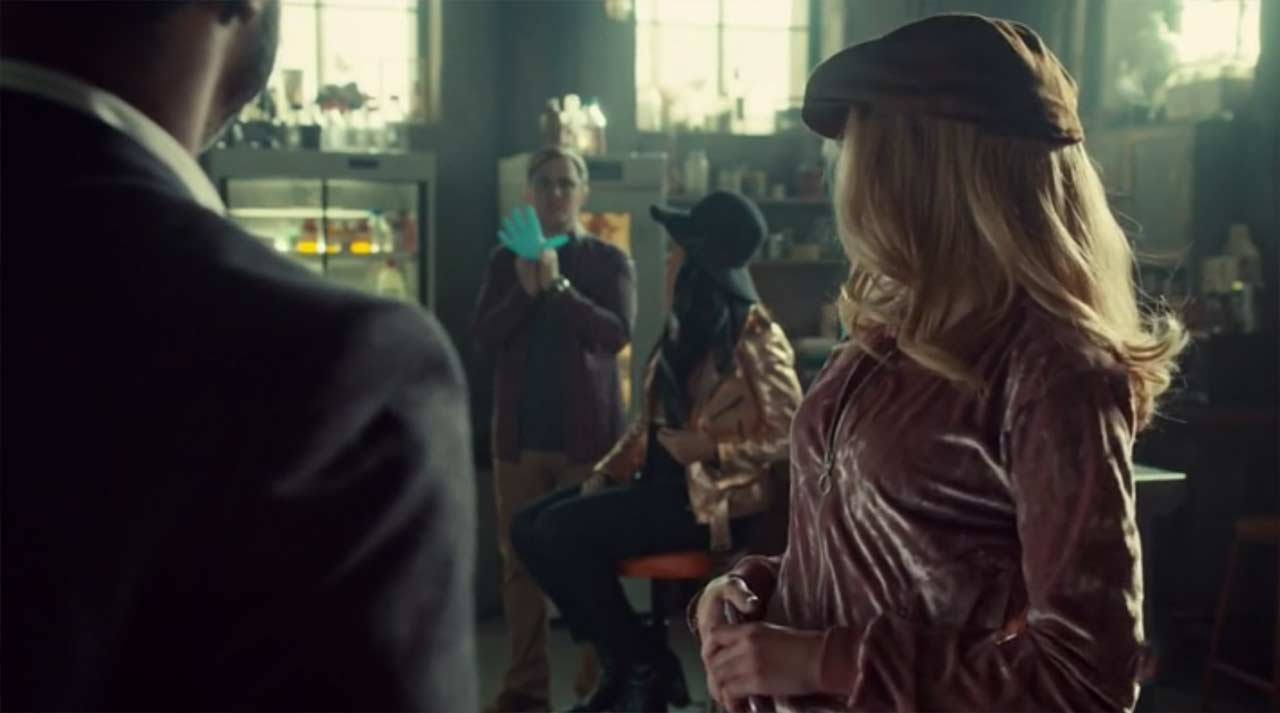 Orphan-Black_S05E06_02 Review: Orphan Black S05E06 - Manacled Slim Wrists