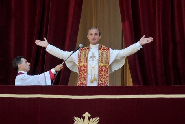 Review: The Young Pope – Staffel 1