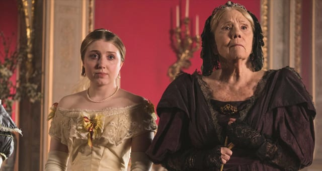 VictoriaS02E01E02p01 Review: Victoria S02E01/E02 - A Soldier's Daughter | The Green-Eyed Monster