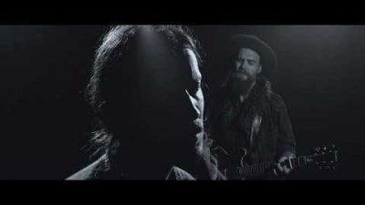 Jon Snows Synchronsprecher singt in einer Band