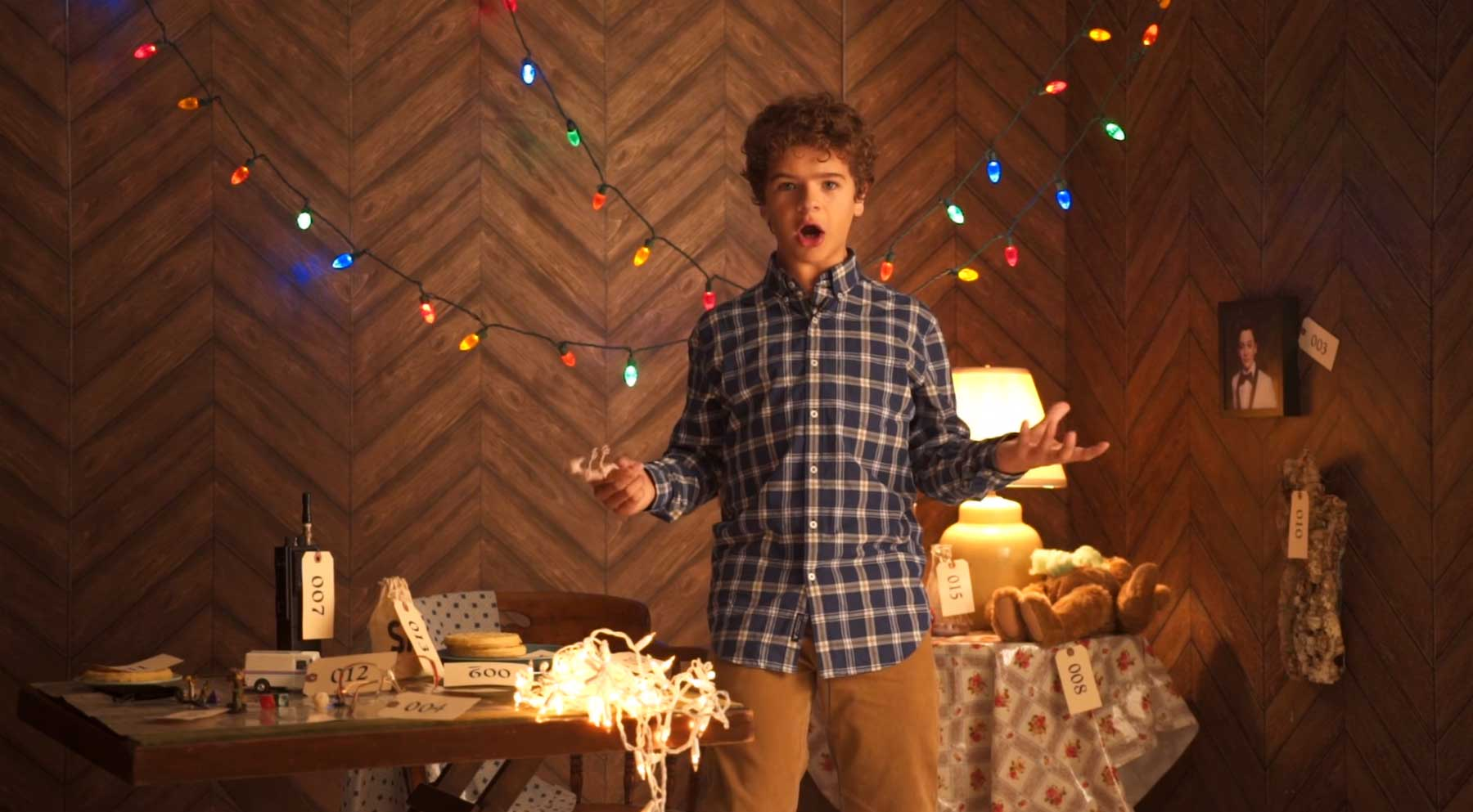 stranger-things-staffel-1-recap Dustin fasst die 1. Stranger Things-Staffel in 7 Minuten zusammen
