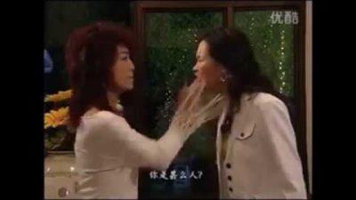 Supercut: 4 Minuten Ohrfeigen aus China-Soap