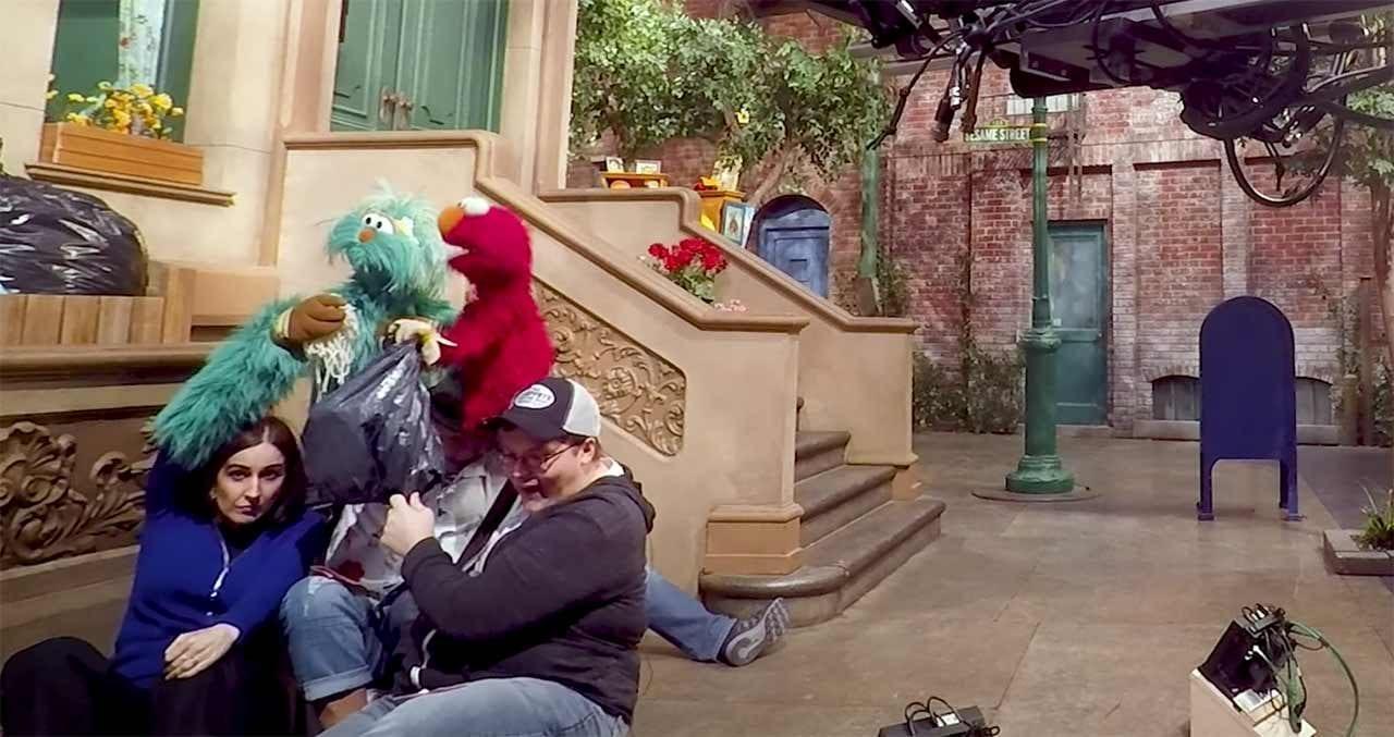 Sesamtraßen-Puppenspieler erklären ihr Handwerk
