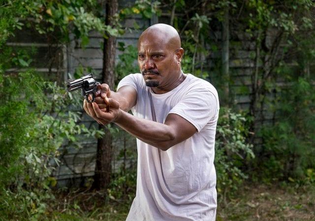the-walking-dead-episode-811-gabriel-gilliam-935-640x450 Review: The Walking Dead S08E11 - Dead or Alive Or