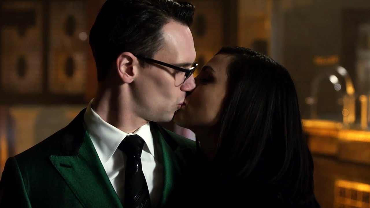 Gotham-Review-S04E19_03 Review: Gotham S04E19 - To Our Deaths and Beyond