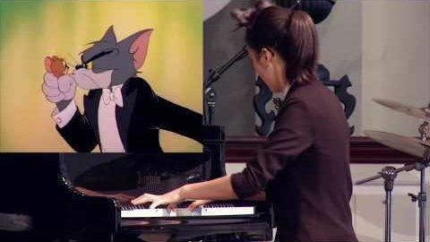 Orchester spielt Tom & Jerry-Titelmelodie
