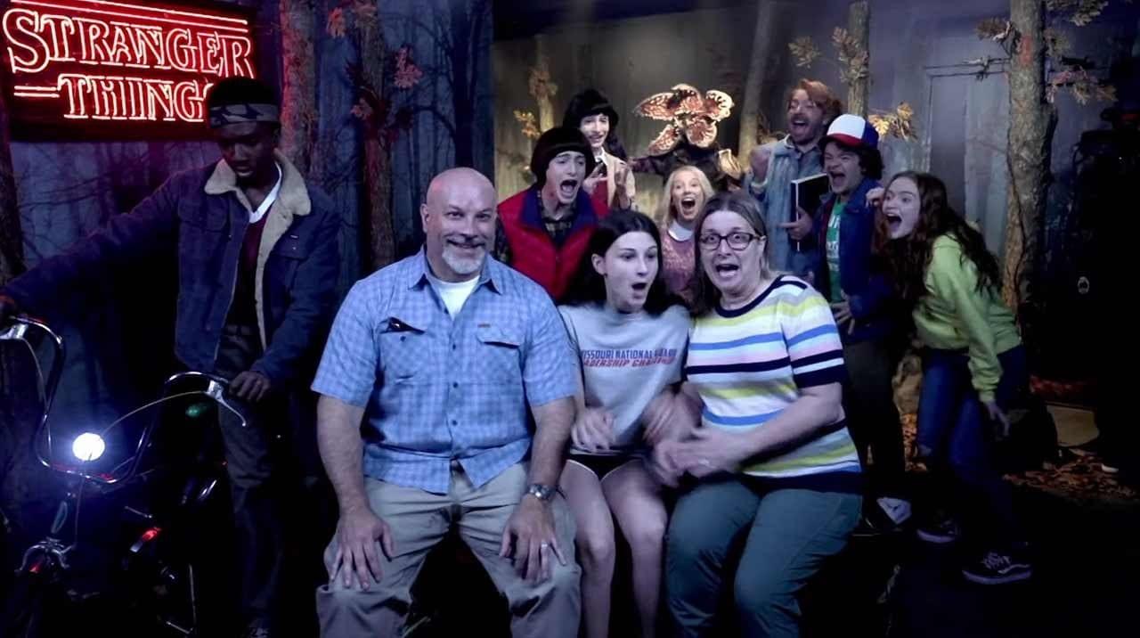 """""""Stranger Things""""-Kids überraschen Fans im Wachsfiguren-Kabinett"""