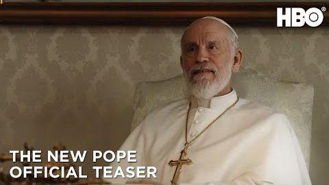 """Neuer Teaser zu """"The New Pope"""" mit John Malkovich und Jude Law"""